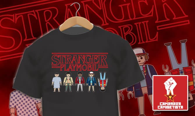 Camiseta Stranger Things Playmobil