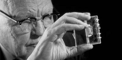 Jack Kilby el inventor del microchip